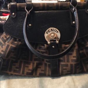 New fendi bag , no tag on